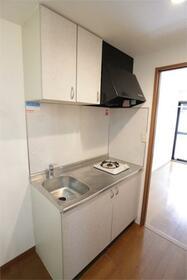 ブリヂネル堀留 302号室のキッチン