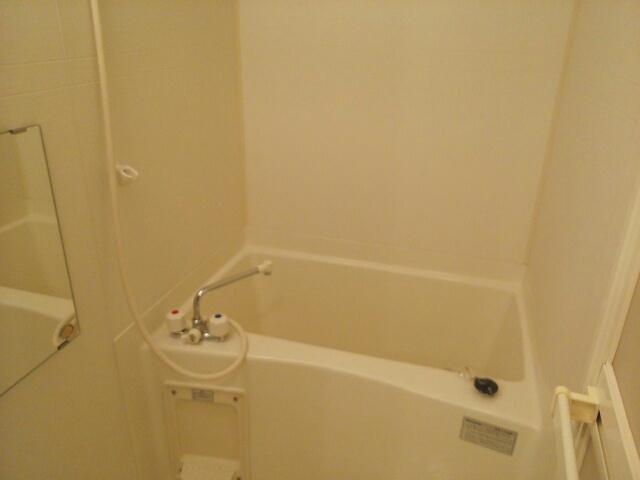 メゾン ベルクール 02020号室の風呂