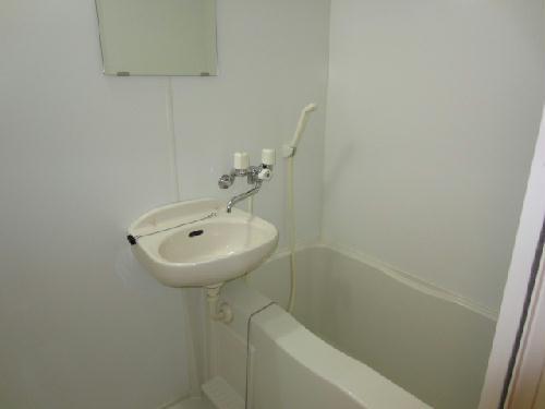 レオパレスmia domo 203号室の風呂