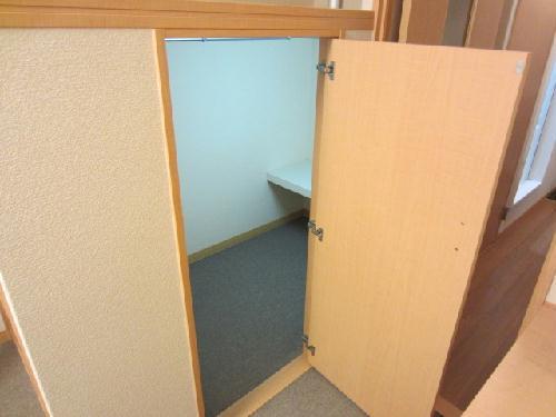 レオパレスmia domo 203号室の収納