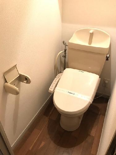 レオパレスGOLD 106号室のトイレ