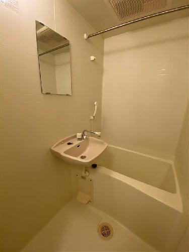 レオパレスE・アルシオネ 205号室の風呂