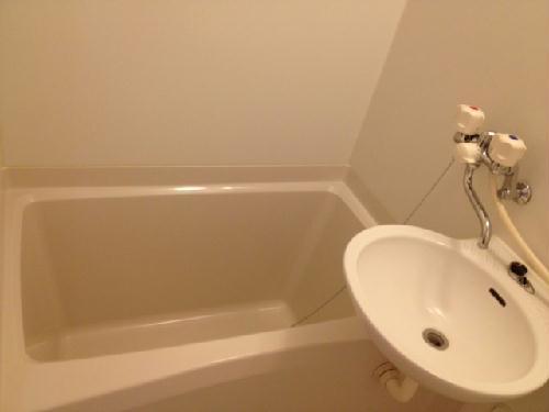 レオパレスクレール 109号室の風呂