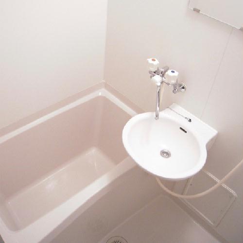 レオパレスボヌールエスパースF 208号室の風呂