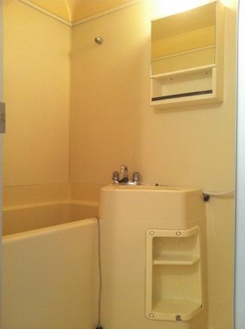 弥生ビル 205号室の風呂