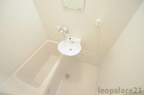レオパレスコート ドール 208号室の風呂