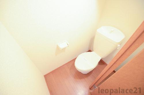 レオパレスコート ドール 208号室のトイレ