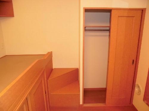 レオパレスライト Ⅱ 203号室の収納