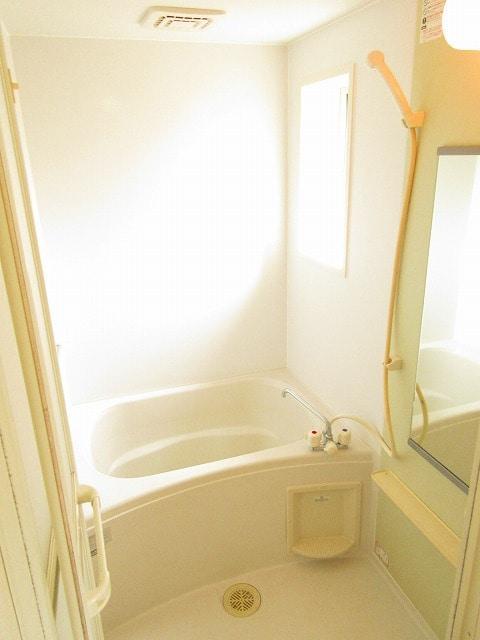 ノイ・アインズ B棟 02040号室の風呂