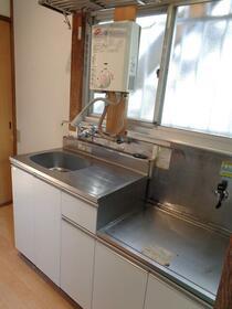 コーポ楓 101号室のキッチン