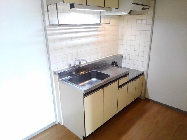 ファミールS 02030号室のキッチン