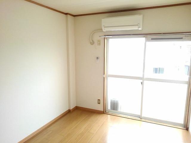 ファミールS 02030号室のベッドルーム