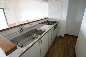 ベルメール香西 703号室のキッチン