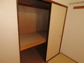 日神パレステージ所沢 502号室の収納