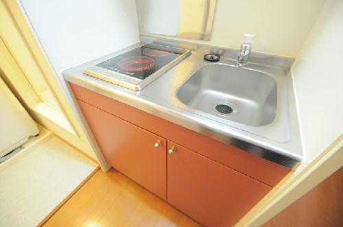 レオパレスON&OFF 206号室のキッチン