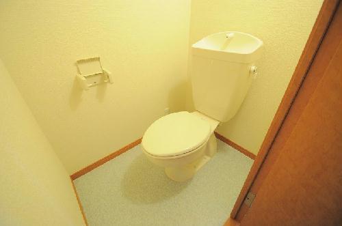 レオパレスON&OFF 206号室のトイレ