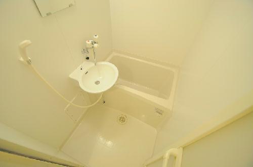 レオパレスON&OFF 206号室の風呂