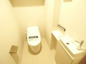 クレヴィア日暮里 THE RESIDENCE 0505号室のトイレ