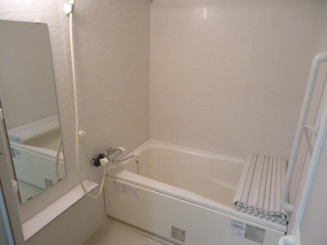 コンフィード 00103号室の風呂