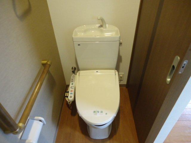 コンフィード 00103号室のトイレ