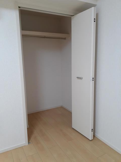フルール・ド・リス Ⅰ 03020号室の収納