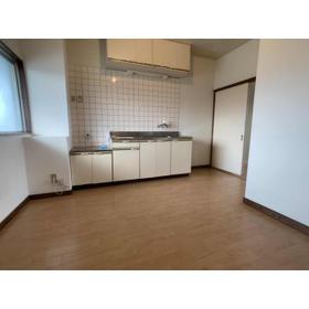 DOMUSマンション C-2号室のキッチン