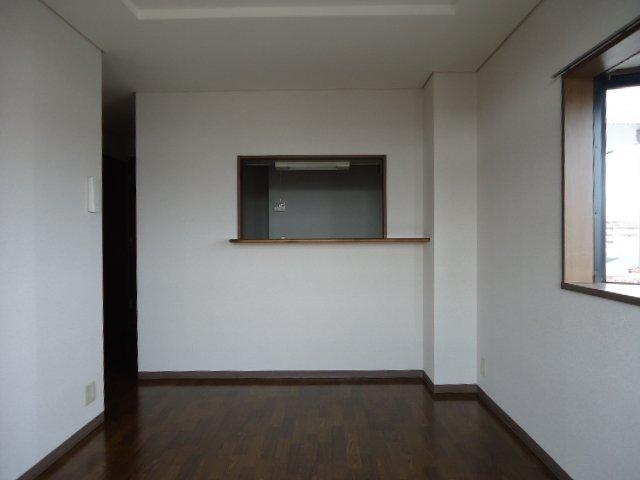 プリマヴェーラKM 101号室のリビング