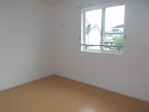 ファミリエB 02010号室のベッドルーム