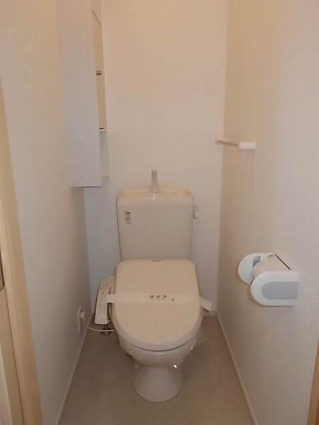ファミリエB 02010号室のトイレ