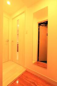 プレジオ新大阪ROUGE 805号室の玄関