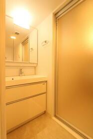 プレジオ新大阪ROUGE 805号室の洗面所
