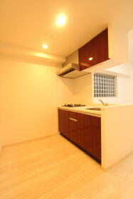 プレジオ新大阪ROUGE 806号室のキッチン