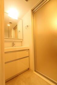 プレジオ新大阪ROUGE 806号室の洗面所