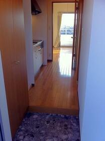 畠山マンション 101号室の玄関