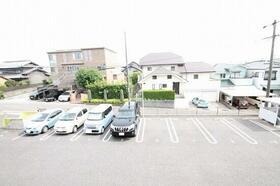 パレス メグミの駐車場