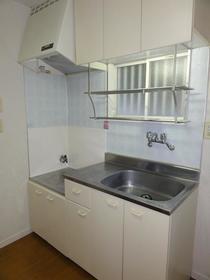コンフォート谷塚 103号室のキッチン