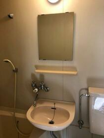 サンコーポアライ 102号室の洗面所