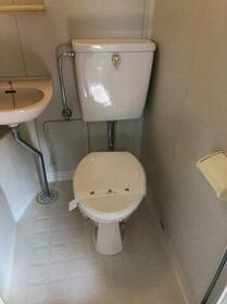 サンコーポアライ 102号室のトイレ