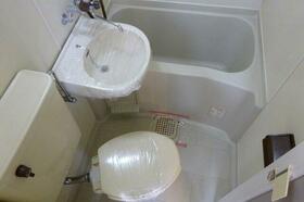 メゾン林間 205号室のトイレ