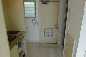メゾン林間 205号室の玄関