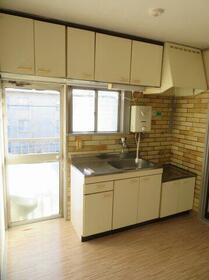 川上団地壱八号棟 1837号室のキッチン