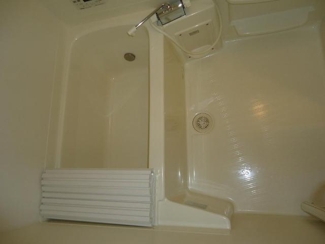 ウィステリアビアン 203号室の風呂