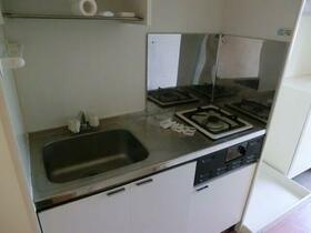 トーヨーマリンハイム 603号室のキッチン