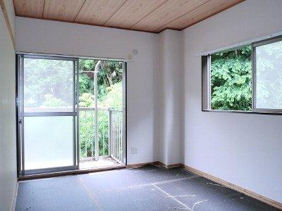 グリーンヒル 浄明寺 弐 01050号室のリビング