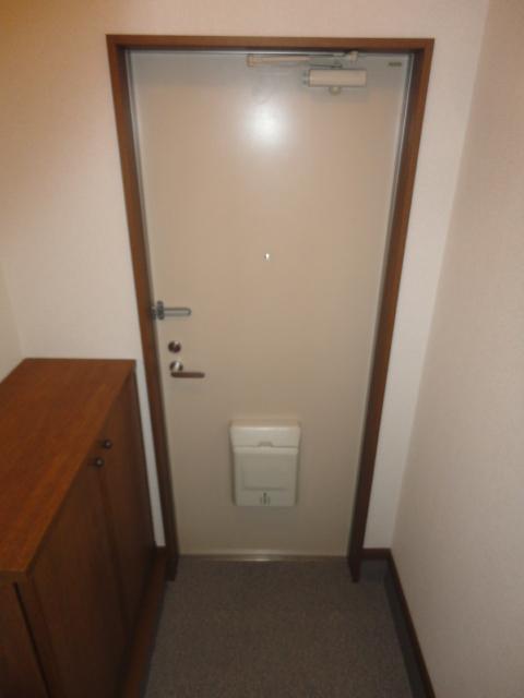キャッスル 02010号室の玄関