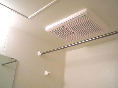 レオパレスクレールニトナ 205号室の風呂