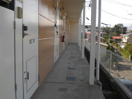 レオパレスアーク 101号室の玄関