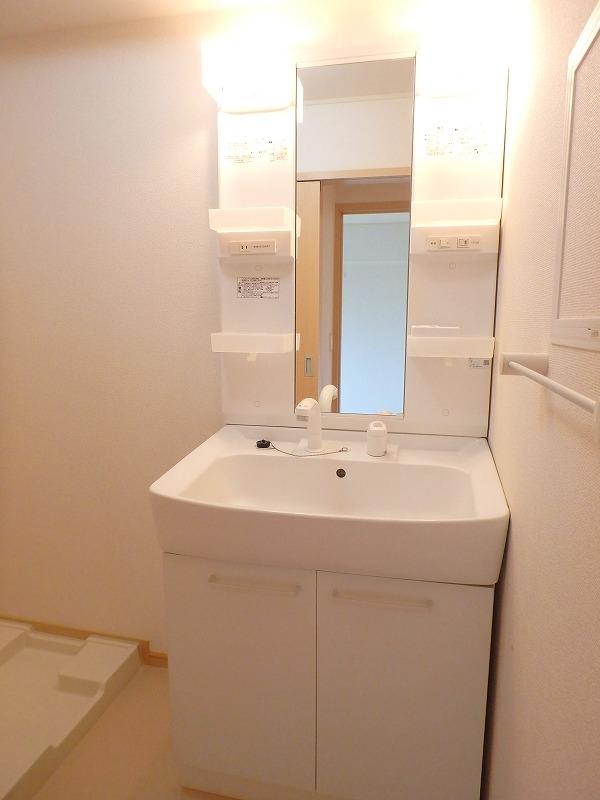 ファインブルク・K 02030号室の洗面所