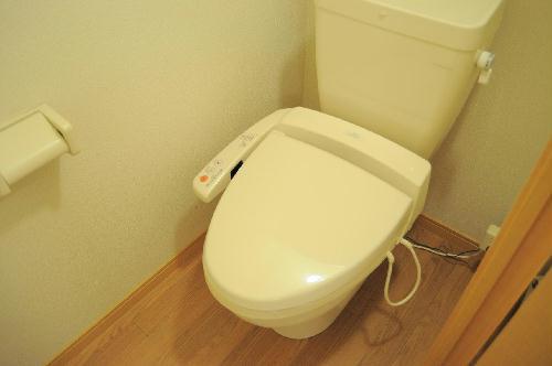 レオパレスSEK 204号室のトイレ
