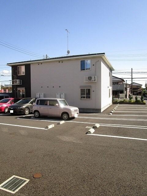 ミッテ・クラール Ⅰ 01010号室の駐車場